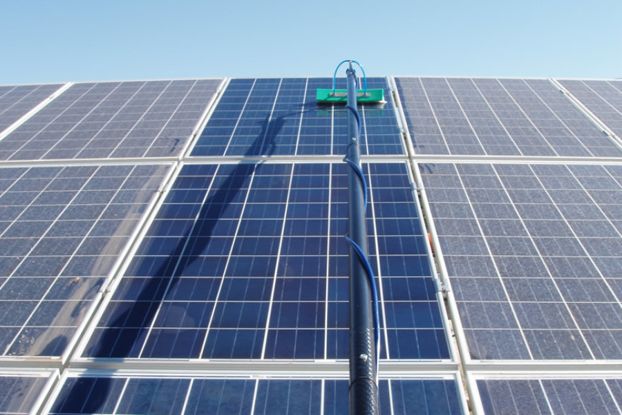 Pulizia vetrate aeree e pannelli solari